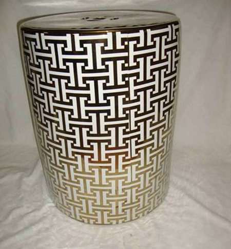 RZKA15A432_Alphabet H letter pattern gold gilded white background pottery ottoman