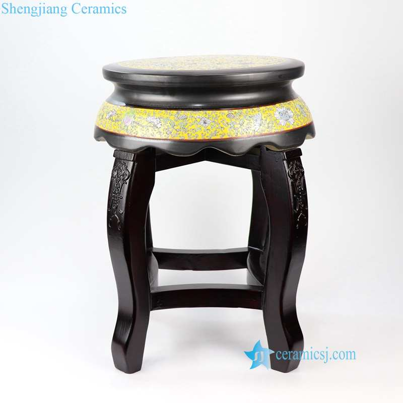 ceramic top seat with engraved design